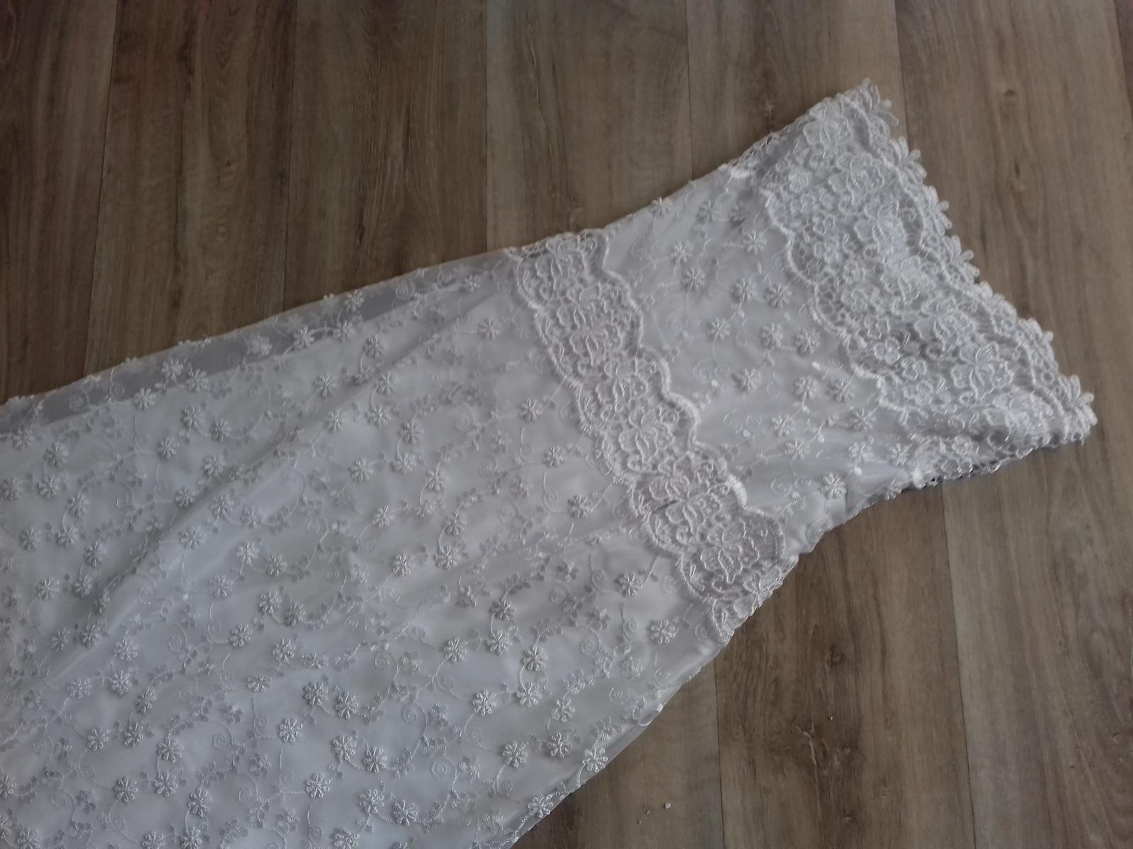 Krajkové šaty vel 36 - Obrázek č. 1