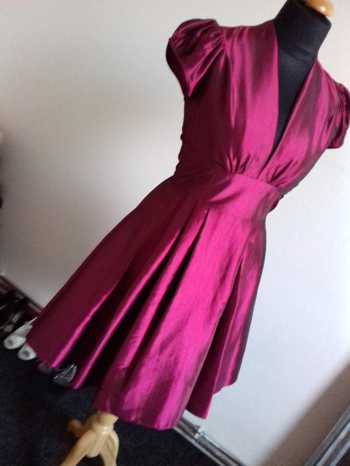 Společenské šaty vel. 42 - Obrázek č. 1
