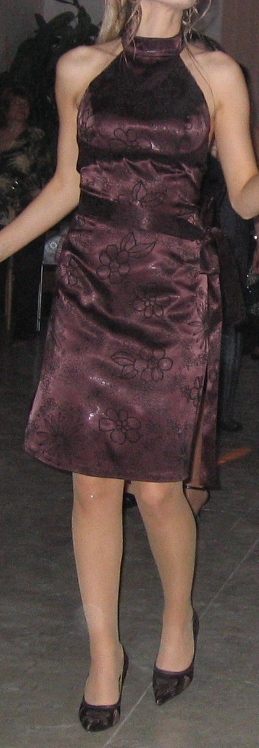 Hnedé šaty  - Obrázok č. 1