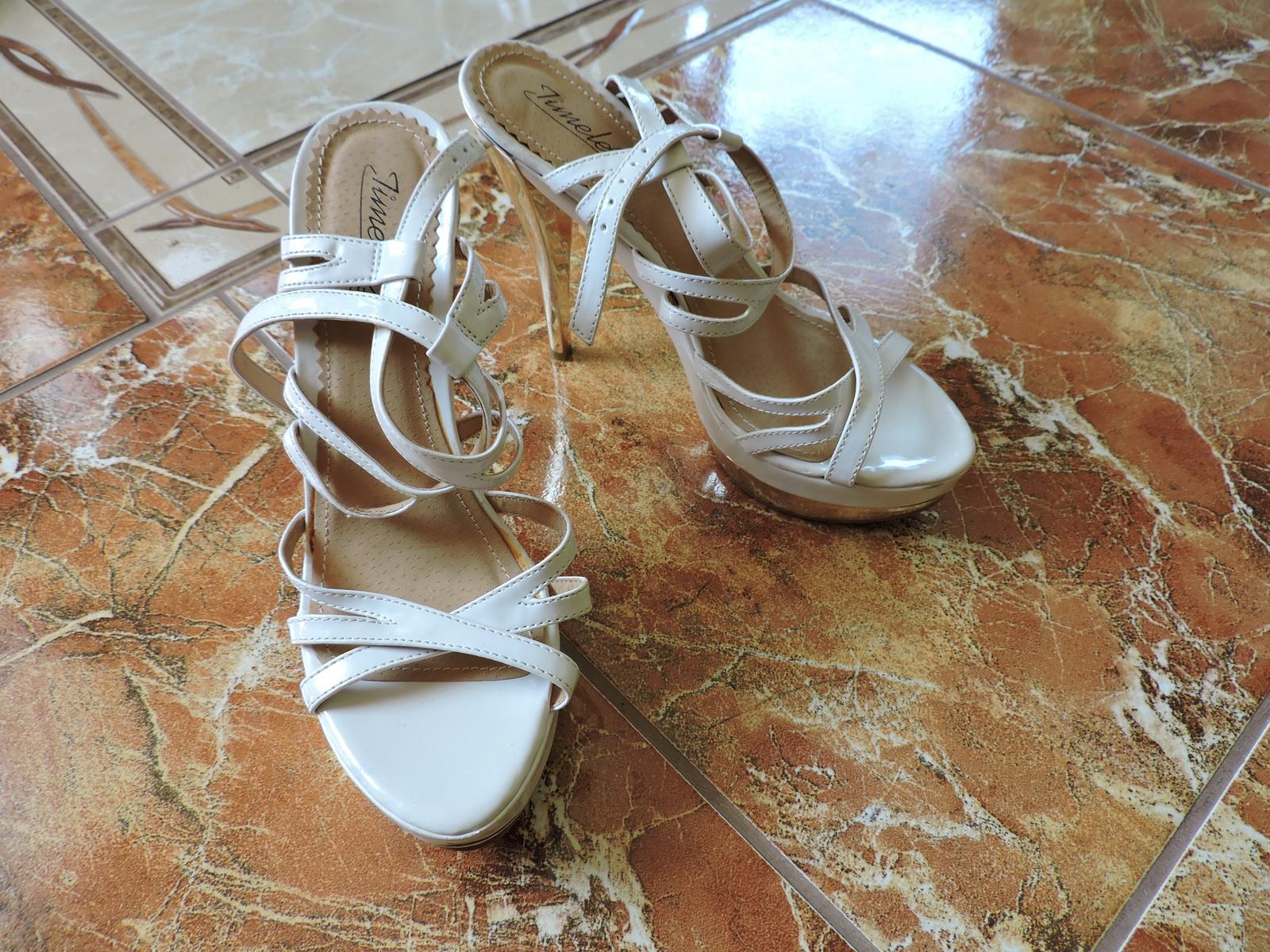 biele sandále so zlatou podrážkou - Obrázok č. 1