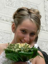 tady jsem spíš jako nevěsta, než jako svědek na svatbě mé sestričky
