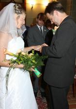 manžel si mě kroužkuje...
