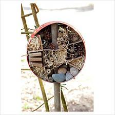 Domček pre chrobáčiky...