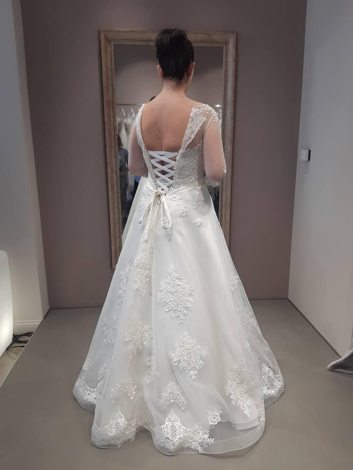 Exkluzívne svadobné šaty - Obrázok č. 3
