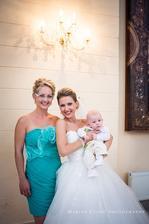 s najmladsim svadobcanom a sestrickou  :-)