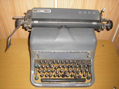 stary pisaci stroj Zeta - Obrázok č. 1