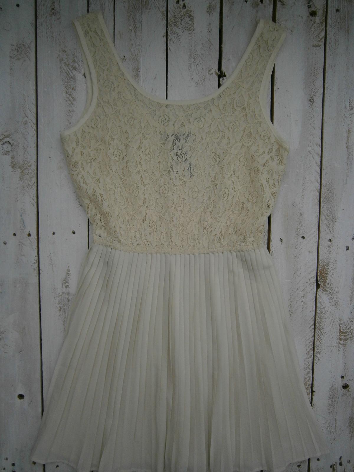Krátke koktejlové šaty - Obrázok č. 1