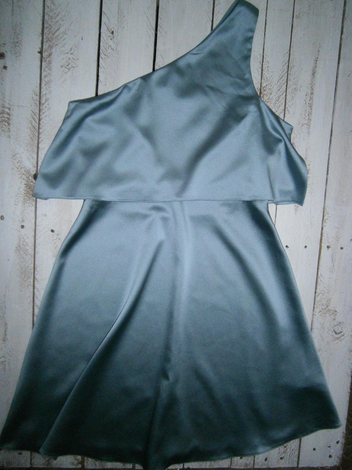 Pastelovo modré saténové šaty River Island, XS/S - Obrázok č. 1