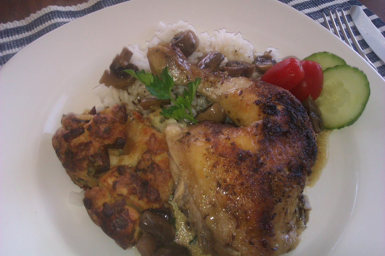 Moje výtvory v kuchyni... - pečené kuře na žampiónech s rýží a nádivkou...