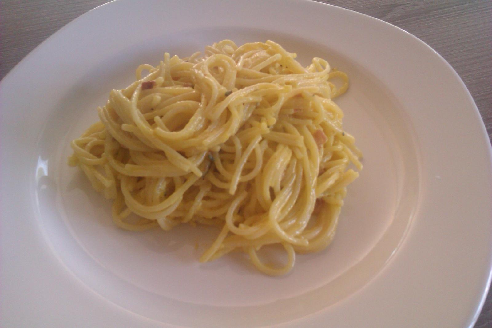 Moje výtvory v kuchyni... - carbonara špagety...