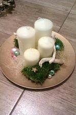 Můj první vlastoručně vyrobený adventní věnec-talíř :-)
