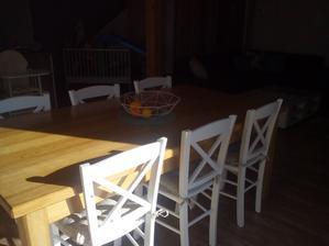 stůl nás přežije...