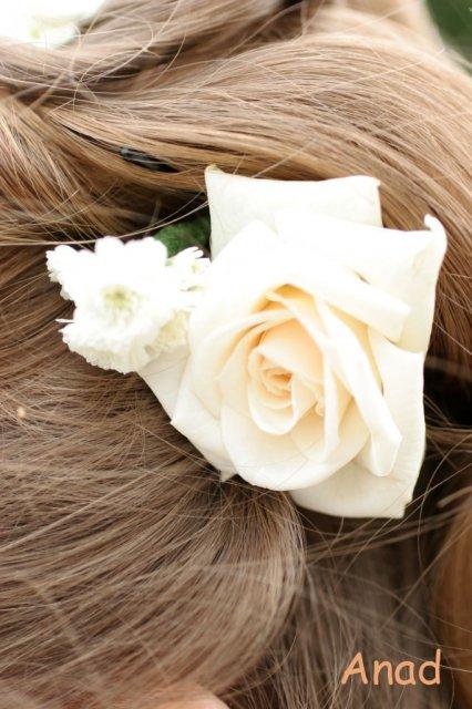 Nase pripravy, vyzdoba a rozne detaili zo svadby - kvietky vo vlasoch