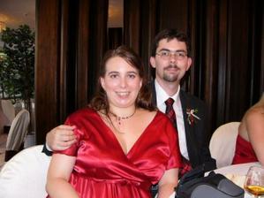 Srpen 2007, na svatbe kamaradky, kde jsem chytila kyti  :)