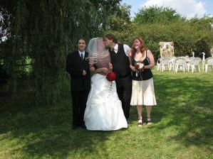 22.7.2006 Jsem byla za svědka Gábince, nejkrásnější nevěstě.