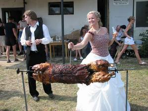 Takhle jsem si vždycky představovalal svatbu venku.