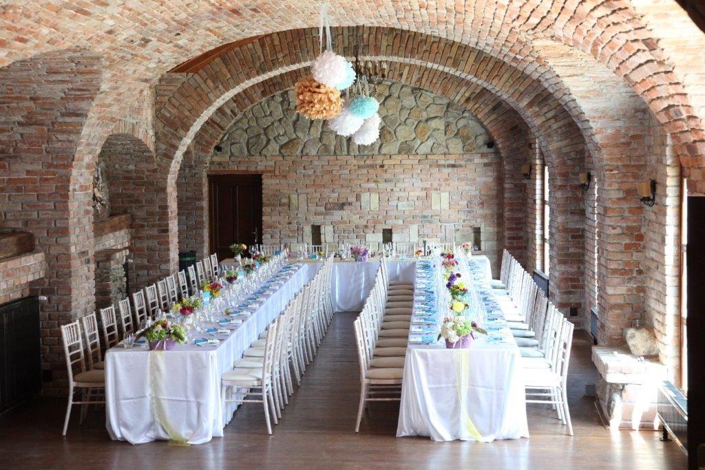 Svadobná výzdoba v Neco vinery v Modre - Obrázok č. 1