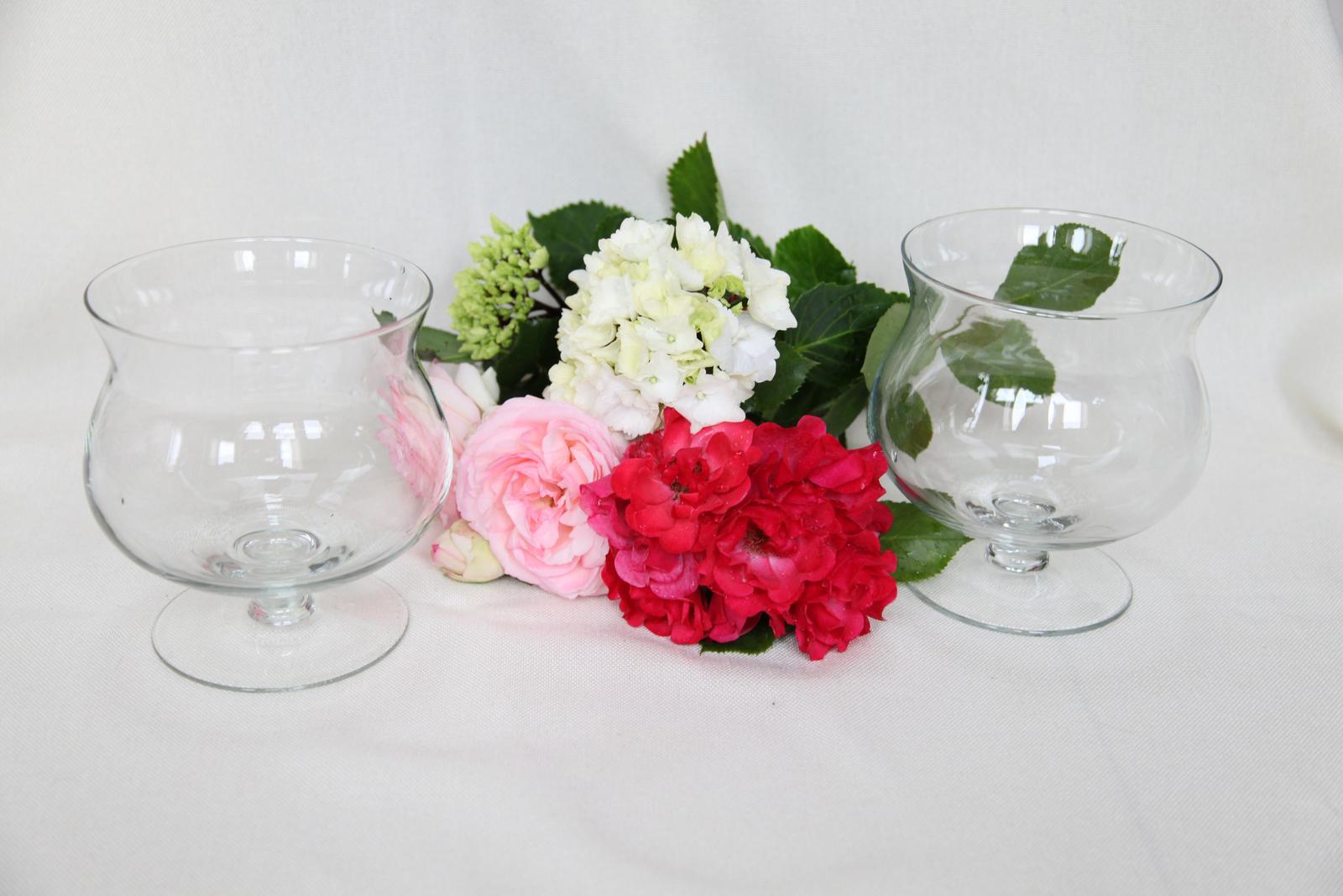 Sklenené vázy na prenájom - Obrázok č. 1