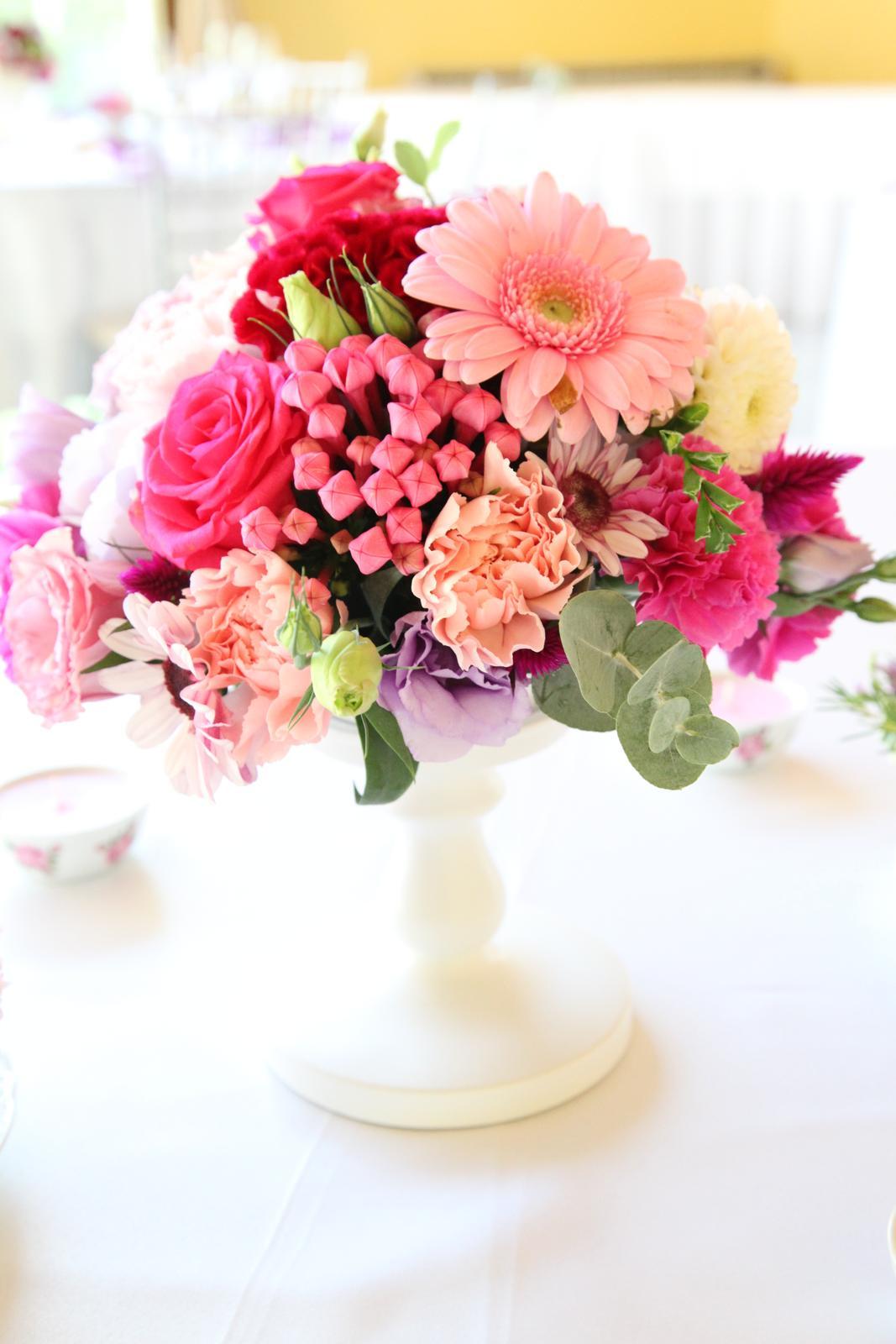 Biely stojan na kvety - Obrázok č. 1