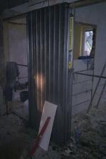 Uzasena vlozka na posuvne dvere do pouzdra.