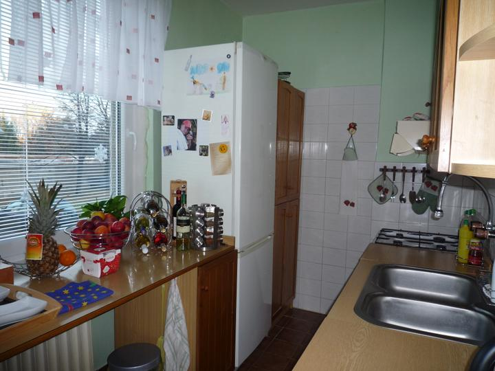 Rekonstrukce a jine.... - kuchynka rekonstrukce 2011