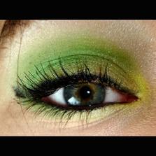 a určite chcem farebné líčenie...ja niečo vymyslím:)ved som dáka profesionálka:)