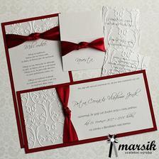 Svatební oznámení, zvací kartičky, jmenovky a poděkování rodičům nám vyrábí marrsik, kterou můžete najít zde na beremese.cz