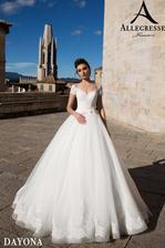 Láska na první pohled, svatební šaty zapůjčené ve svatebním salonu CAXA v Olomouci