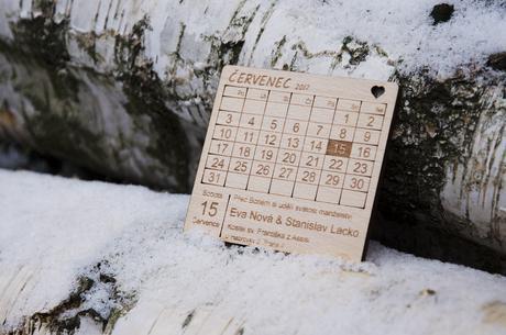 Dřevěné svatební oznámení- kalendář - Obrázek č. 1
