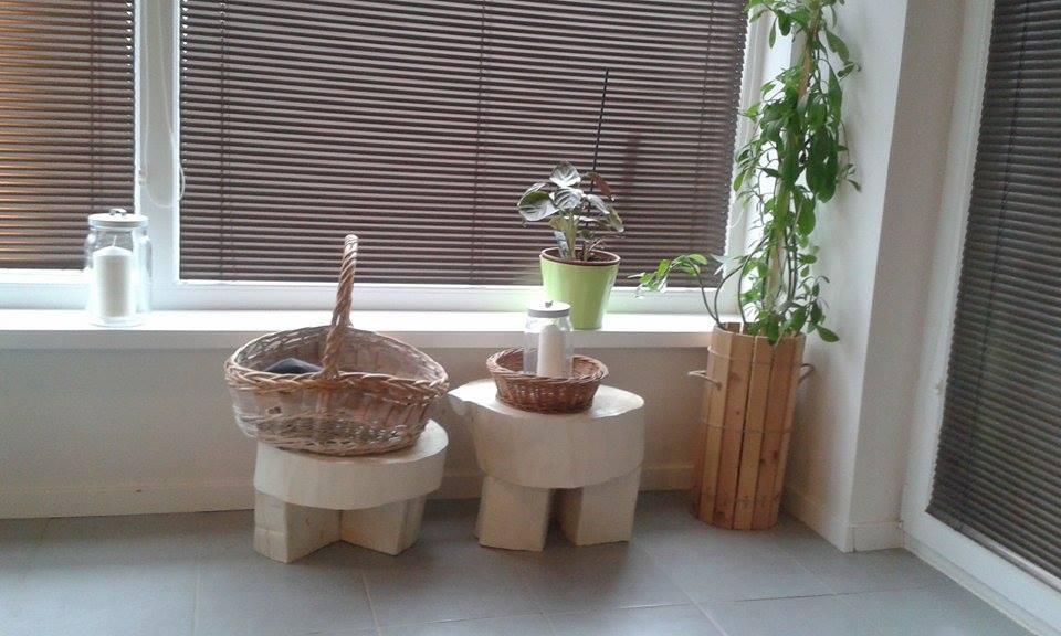 DIY blbosti u nas doma - Pniky prisposobene na sedenie, zatial sluzia skor ako odkladace/kvetinace :D