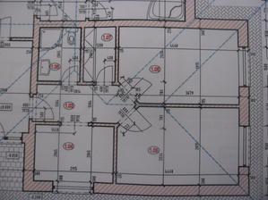 1,04 pracovna, 1,08 mala kupelna a wc, 1,07 šatník, a dve izby to všetko namiesto garaže, zvačšované cca o 1m