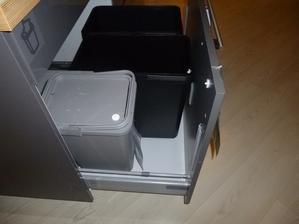 takyto šuflík na smeti bude