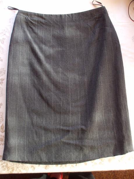 Pouzdrová kostýmková sukně - Obrázek č. 1
