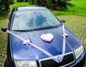 Výzdoba na auto nevěsty a ženicha,