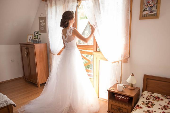 Aktuálny trend svadobné šaty 2v1s odopínacousukňou - Obrázok č. 2