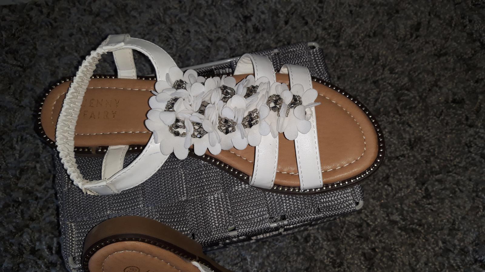 Biele sandálky - Obrázok č. 2