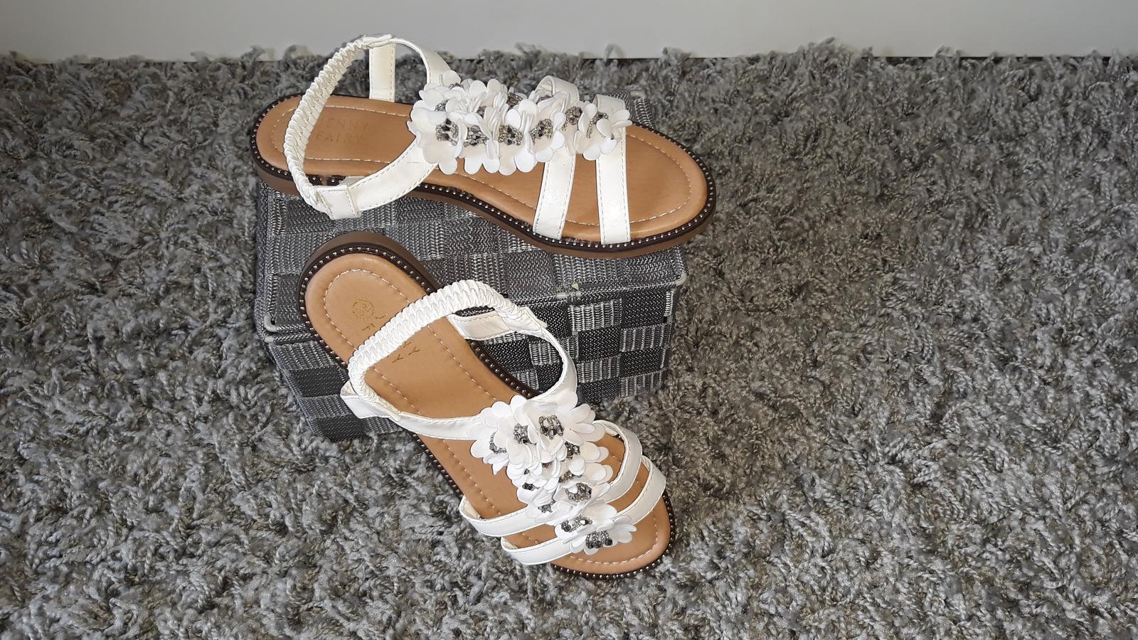 Biele sandálky - Obrázok č. 3
