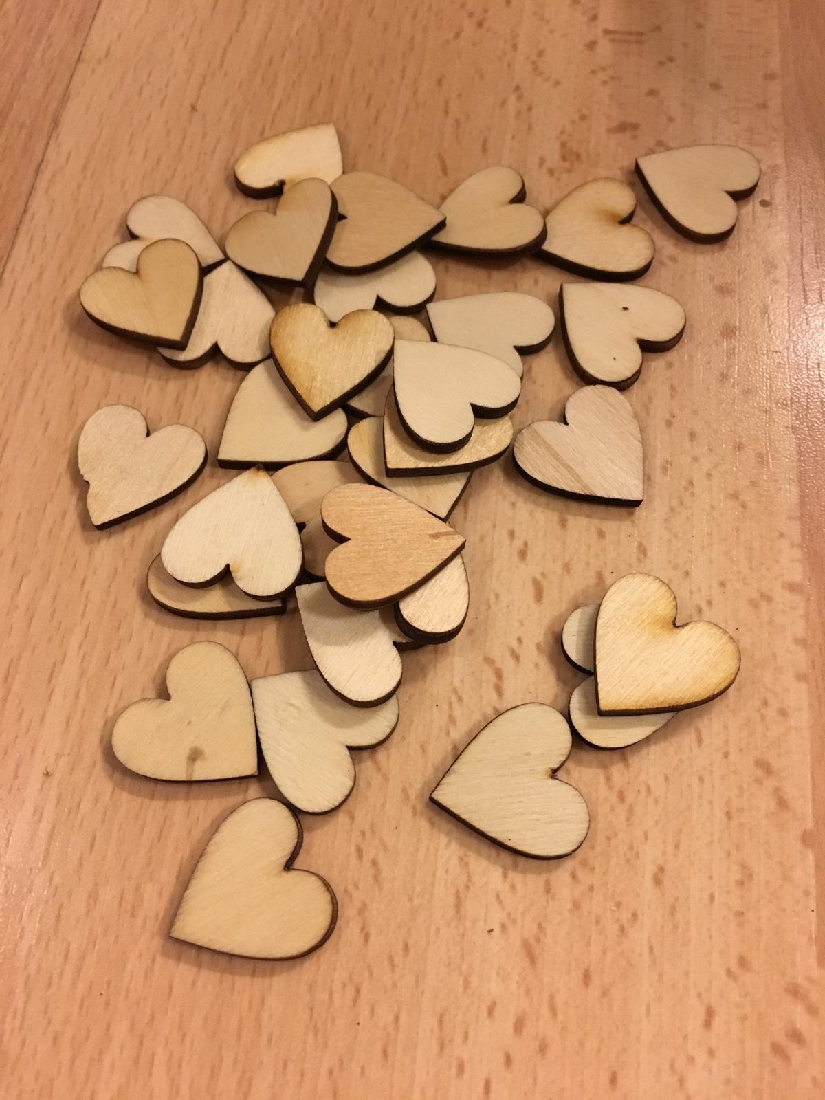 Dřevěná srdíčka, 2 cm, 50 ks / 100 ks / 200ks - Obrázek č. 1