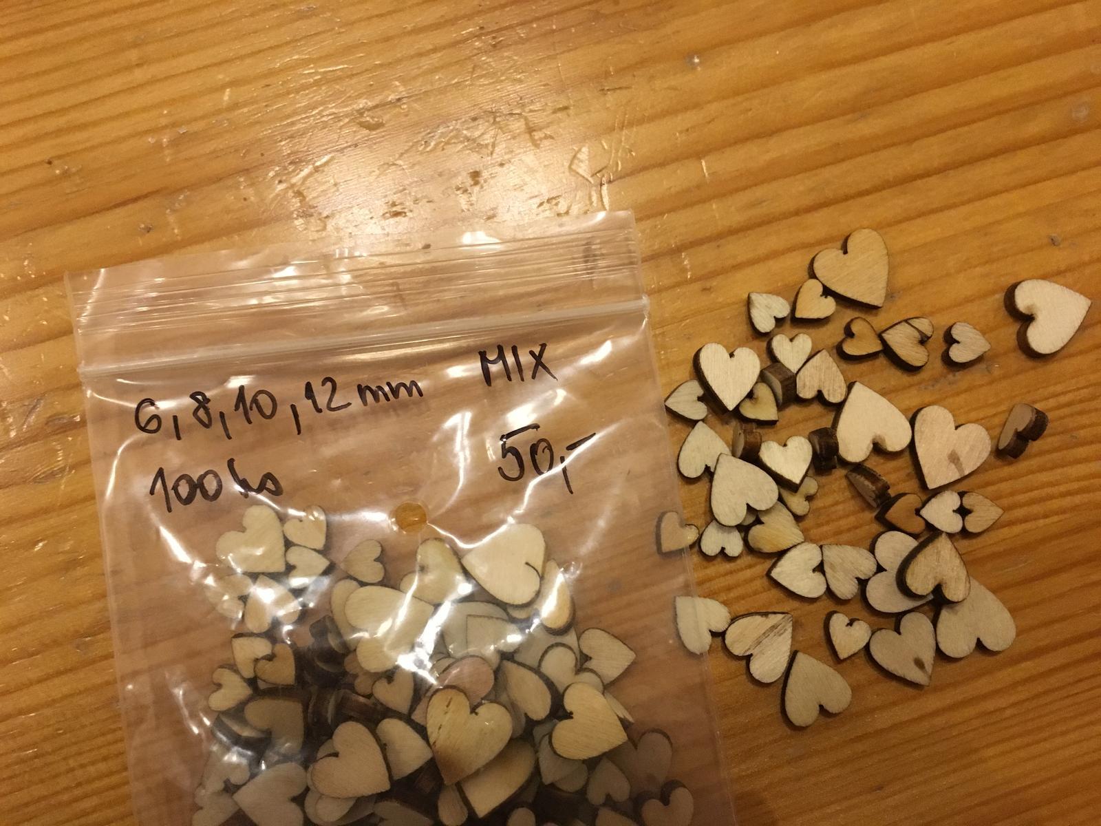 Mix drevenych srdicek- 6,8,10,12 mm, 100 ks - Obrázek č. 1