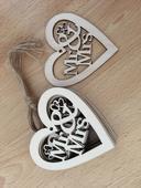 Vyřezávané srdce Mr & Mrs, 10 ks,