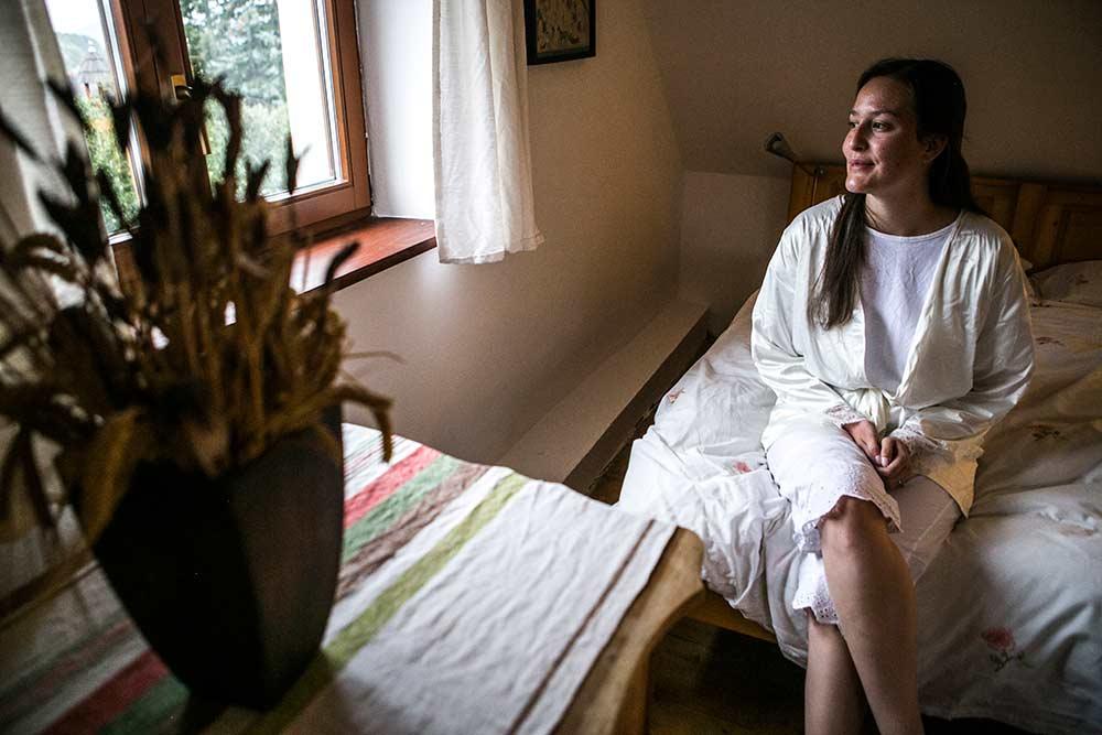 Elisabeth{{_AND_}}Milan - Ranní čekání na vizážistku...