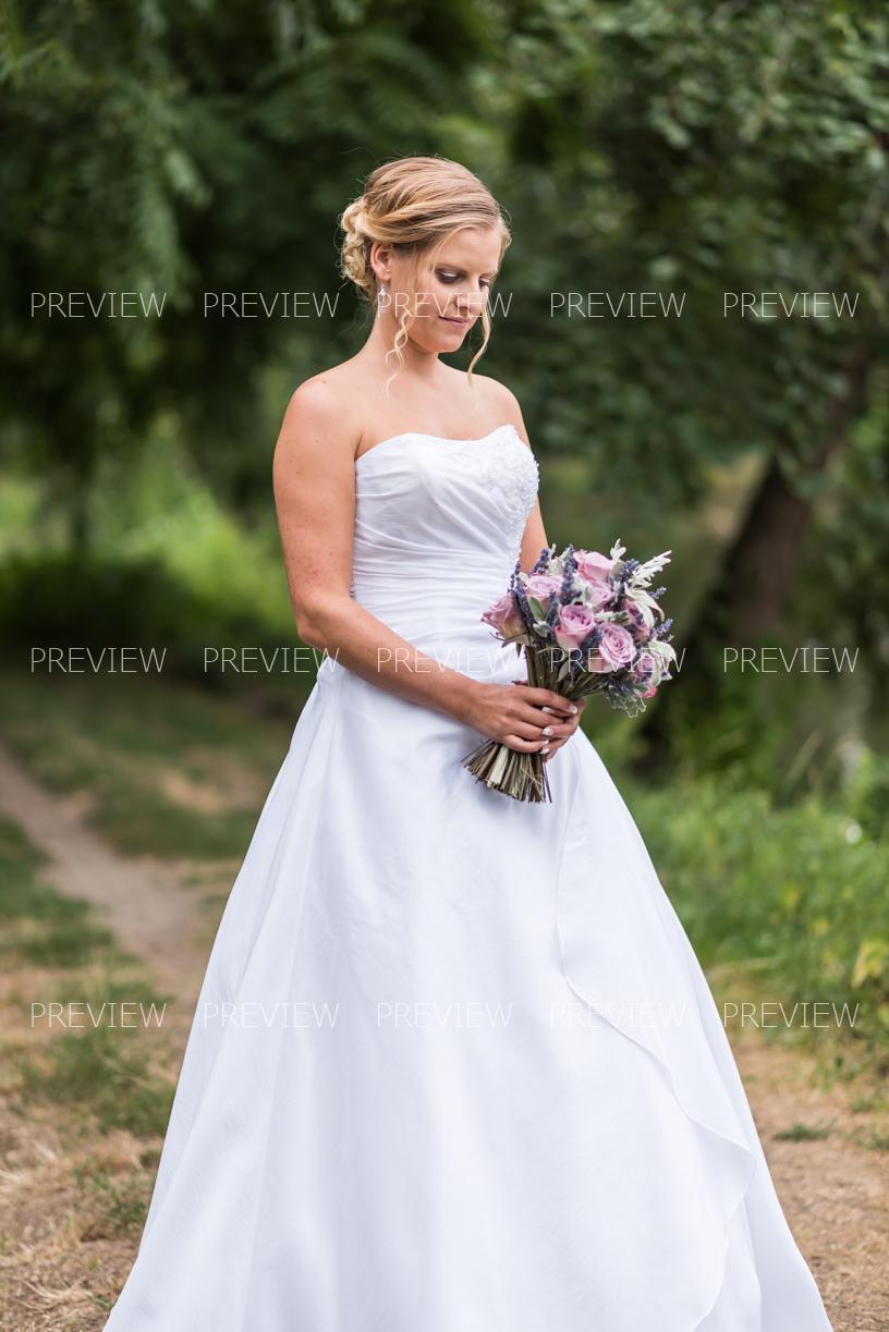 Taftové svatební šaty - včetně spodnice - Obrázek č. 1