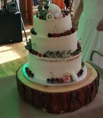 Drevený podnos pod dort,