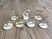 drevené čísla na stôl,