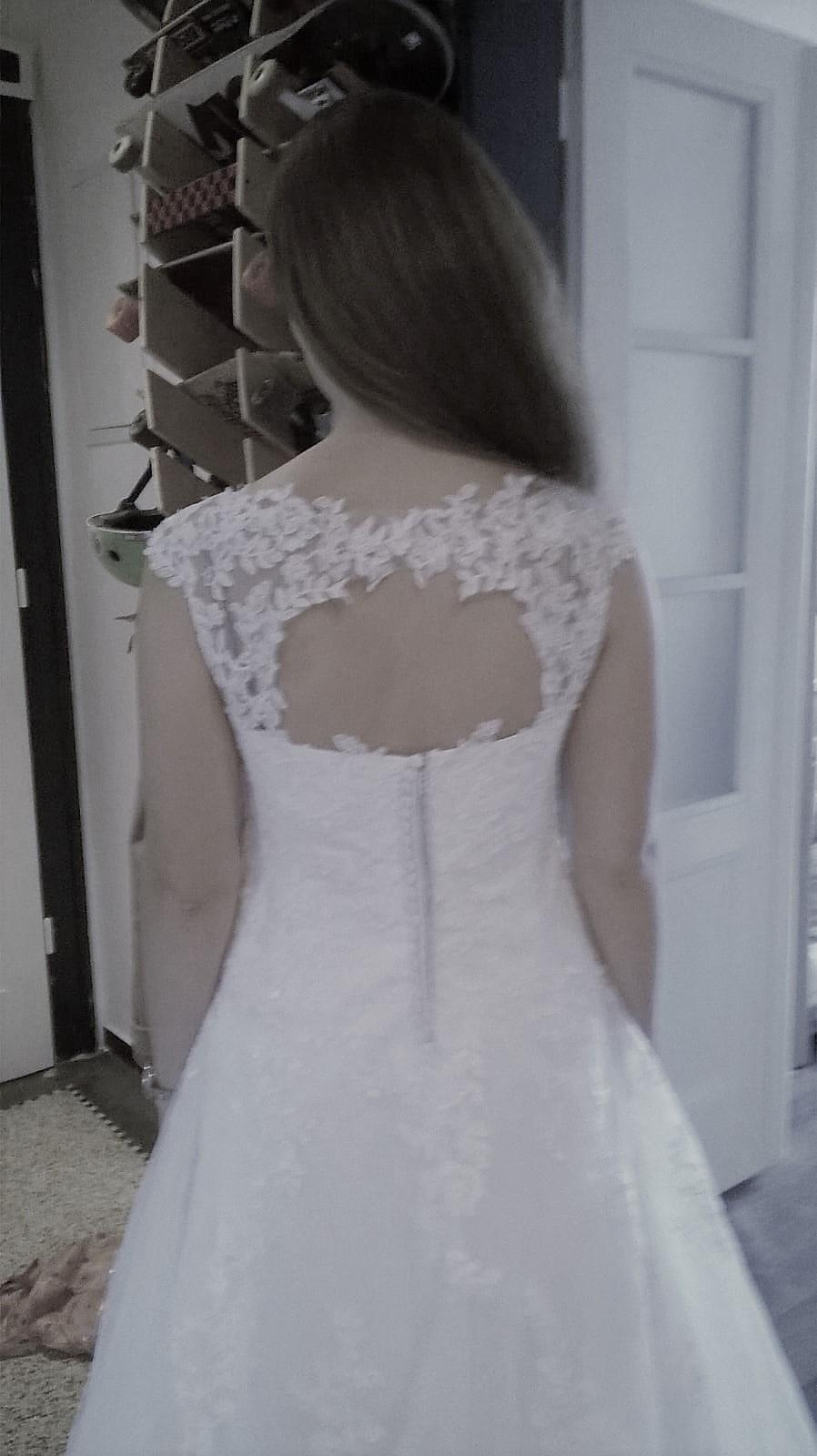 Vysněné svatební šaty - Obrázek č. 3