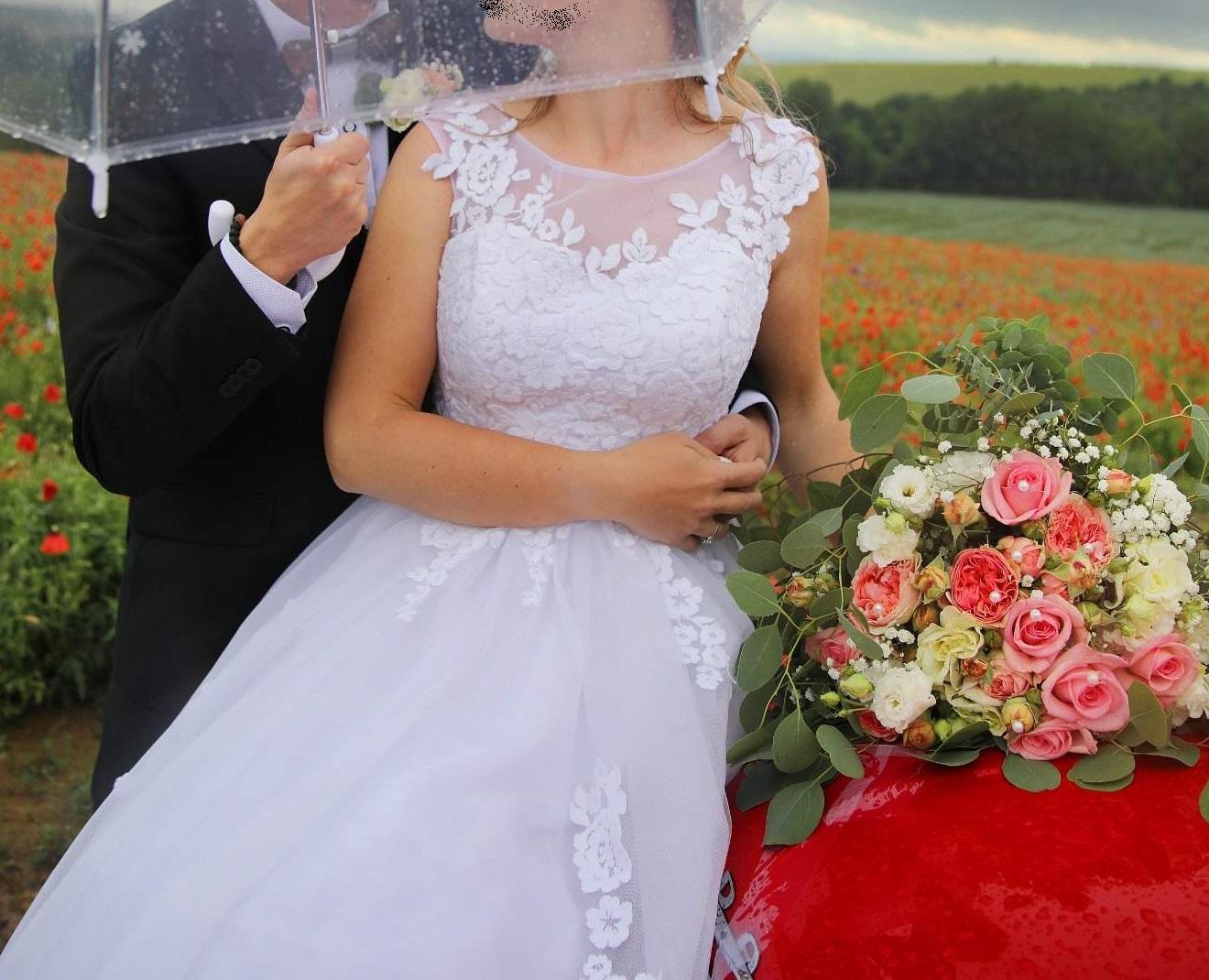 Svatební šaty vel. 36-38 - Obrázek č. 1