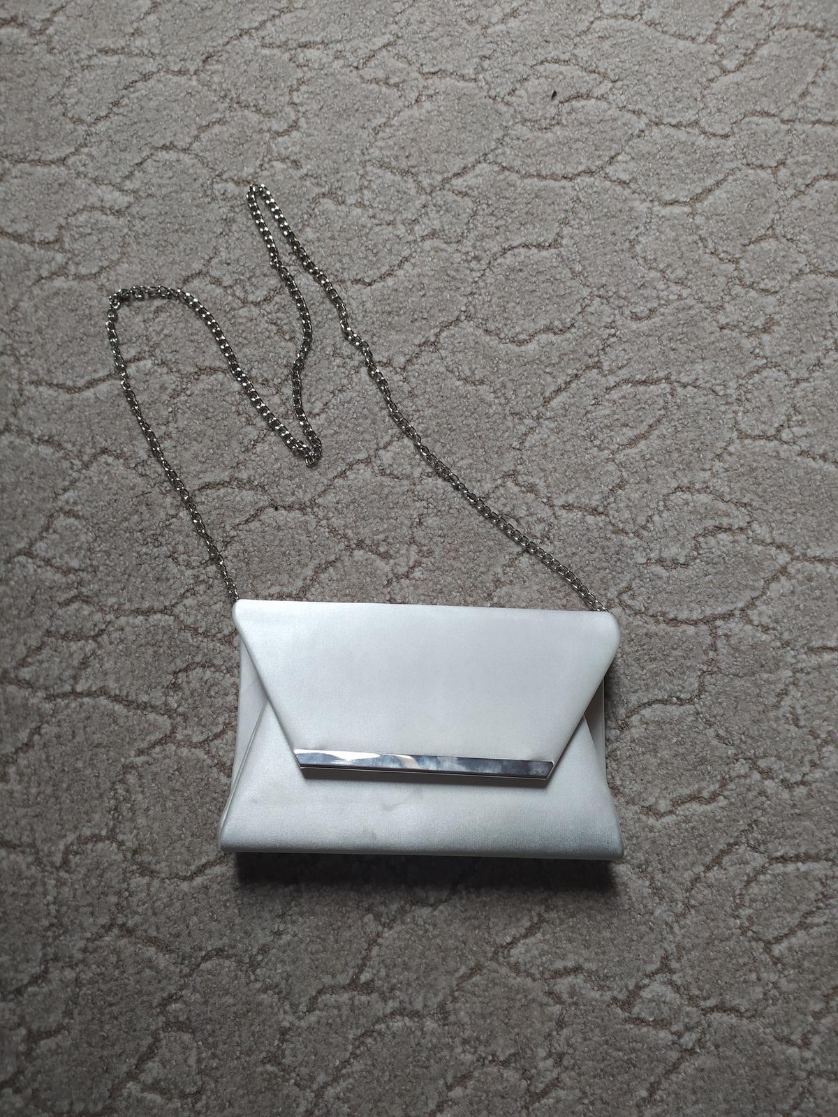 Bílá kabelka - Obrázek č. 1