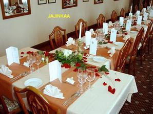 zajímavá svatební tabule
