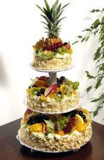 další dva dorty budou kulaté...taky s hromadou ovoce...