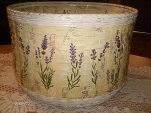 Na želanie :) ...pôvodný účel  - obal na kvety / nový účel -  obal na papučky pre hostí :D